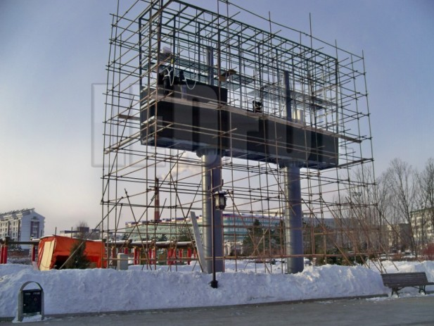 LED Display Installation on Structure Frame with Minus 30 Celsius