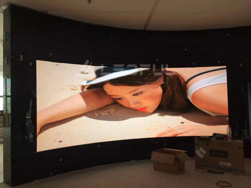 Korea Indoor Curved HD Advertising LED Display