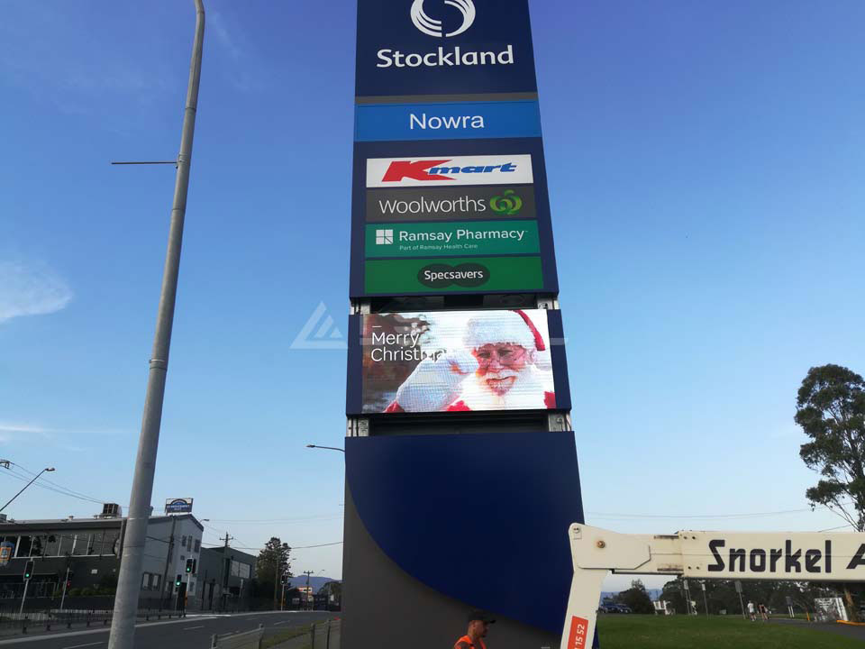 Australia Outdoor Pole LED Advertising Display