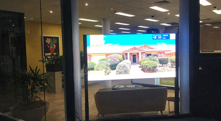 LED Poster Display with High Brightness 5000nits for Retail Shop Window in Australia